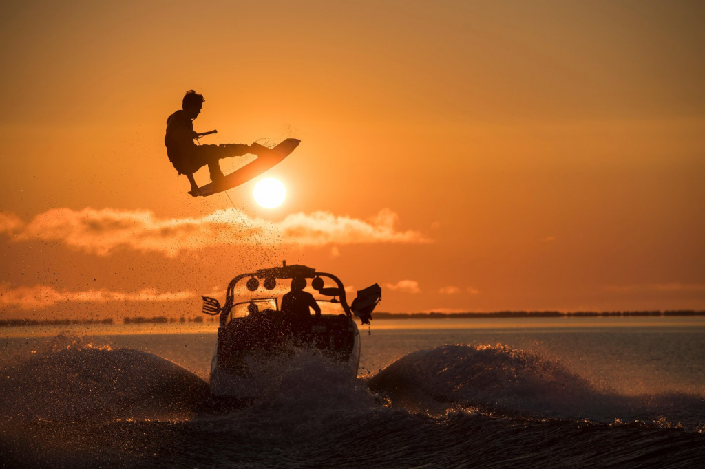wakeboarder-mike-dowdy-at-sunset-on-lake-superior.jpg